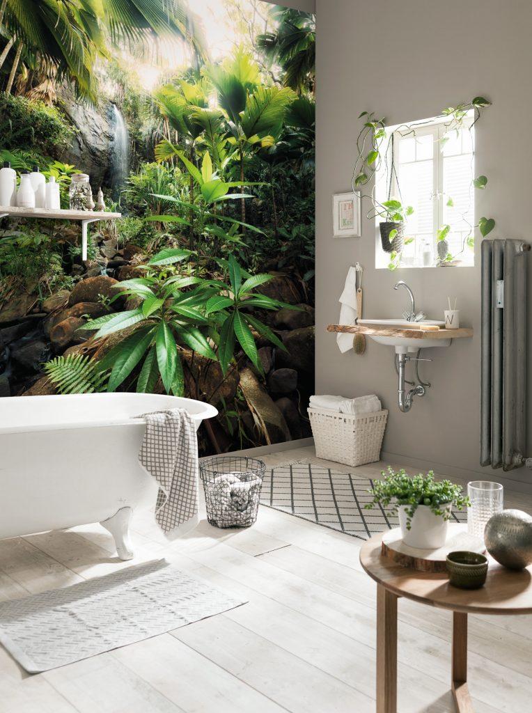 Urban Jungle : Une salle de bain au coeur de la Jungle grâce à un papier peint panoramique