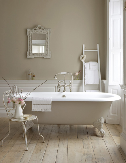 Choisir les peintures Little Greene pour la décoration de la salle de bains.