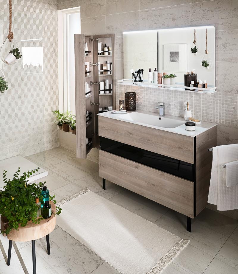 Meuble de salle de bain avec rangements