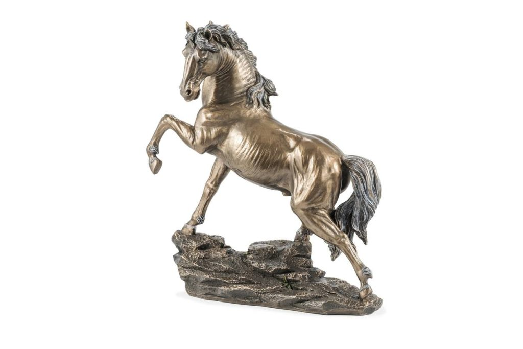 Statuette de cheval en bronze